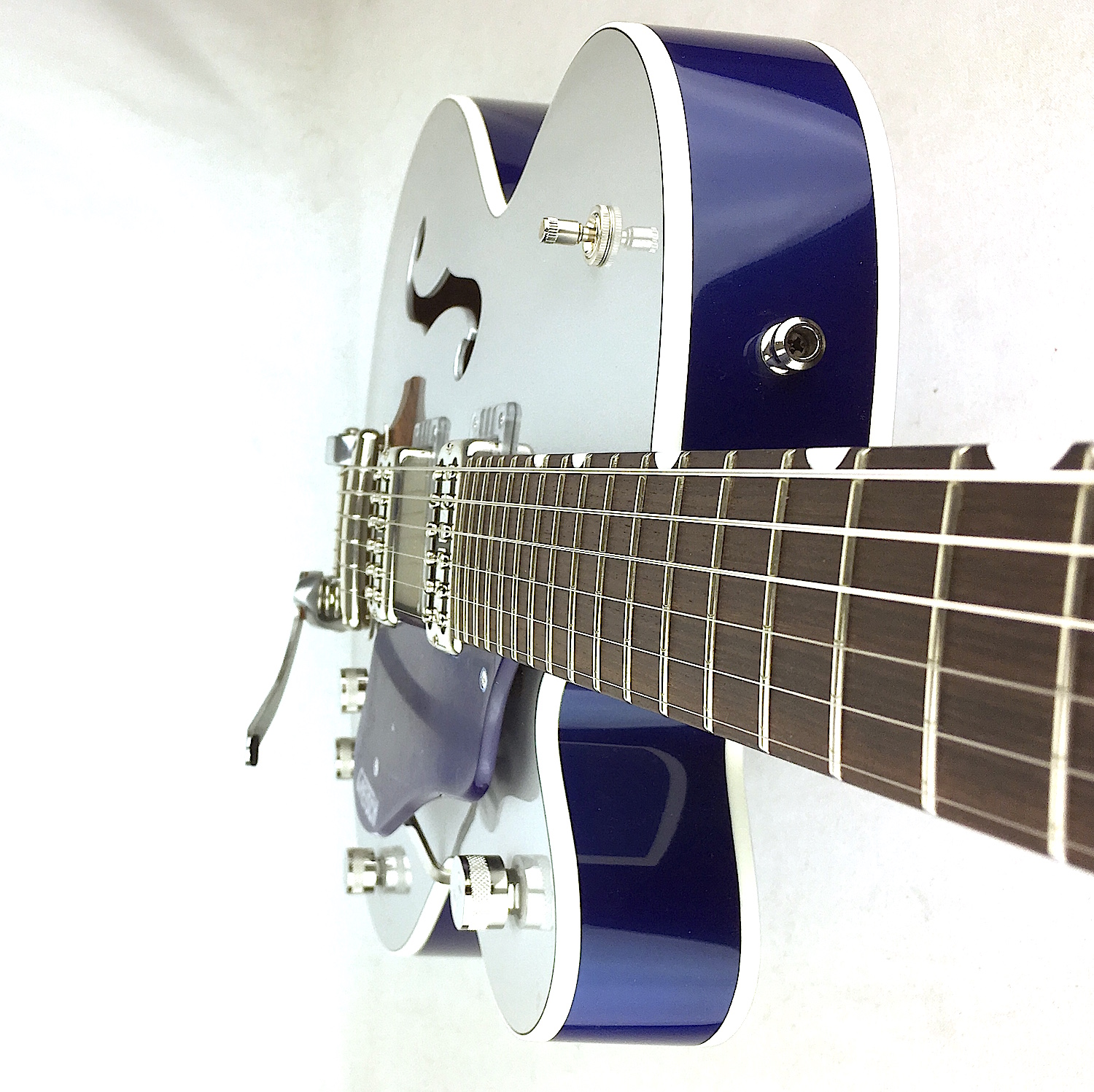 Azzure Silvers: Gretsch G6118T Players Edition Anniversary